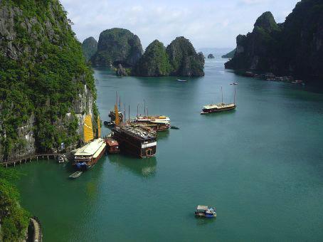 Dau Be Island Halong Bay