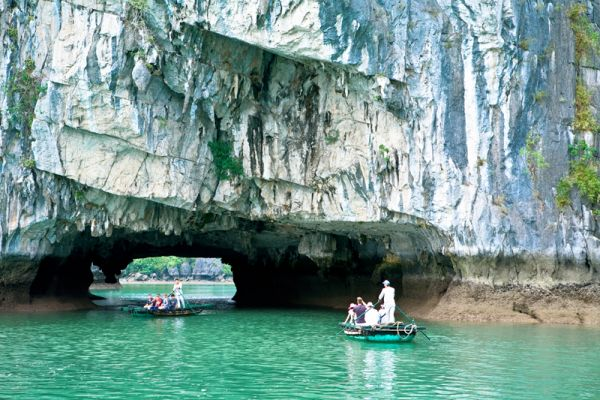 Luon Cave - Halong Cruise - Oriental Sail