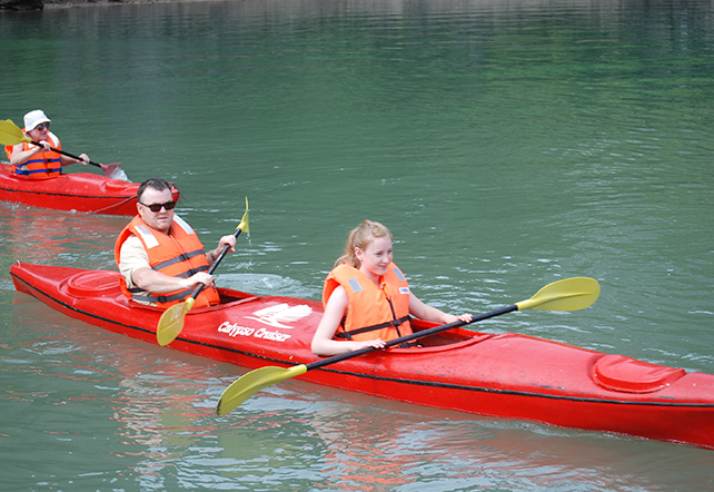 Calypso_Cruiser_halong_bay_Kayaking