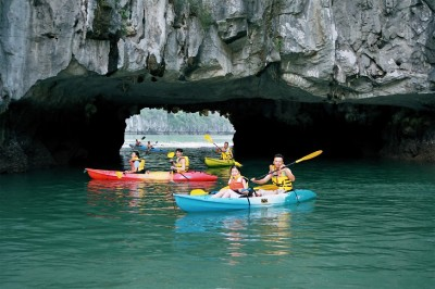 luon Cave - Overviews Halong Bay