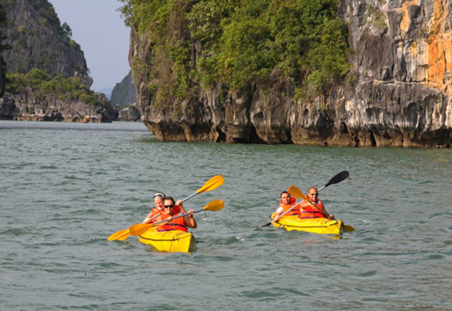 oriental_sail_halong_bay_kayaking