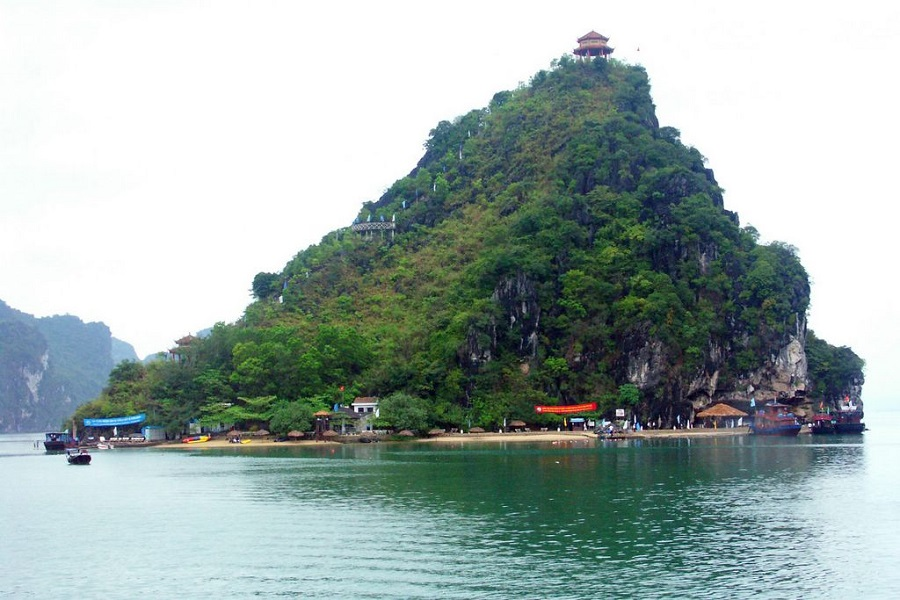 Ti Top Island - Halong Bay Vietnam