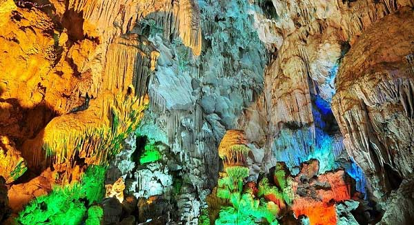 Amazing Cave Halong bay tours