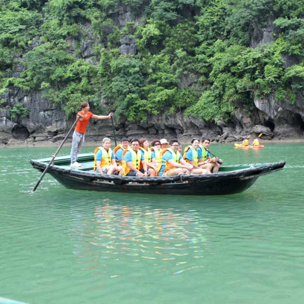 Bamboo-rowing-boat-HaLong-Bay-Cruise
