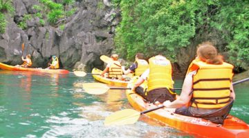 Kayaking_HaLong_Bay_Tour_2