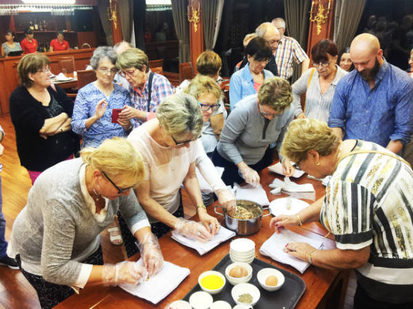 Cooking class on Calypso cruise