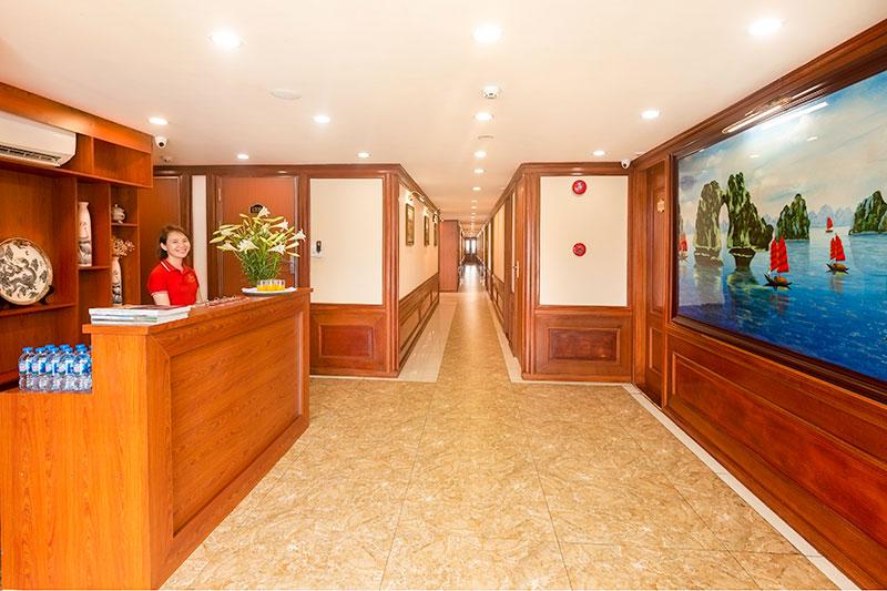 Reception cruise