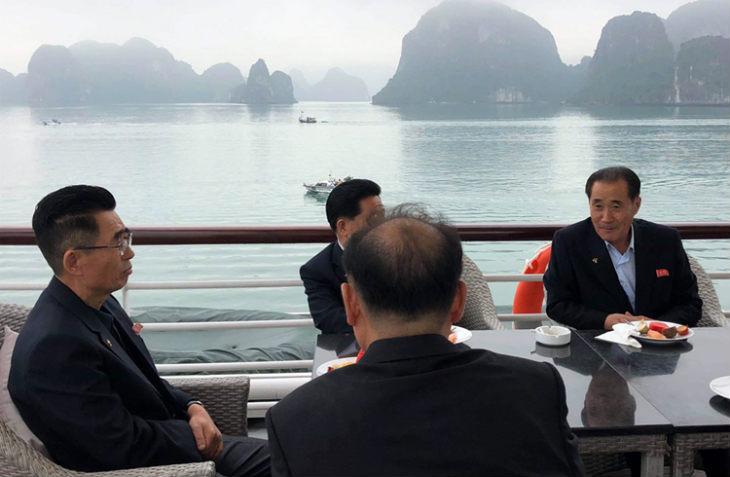 North Korean delegation tours Ha Long Bay