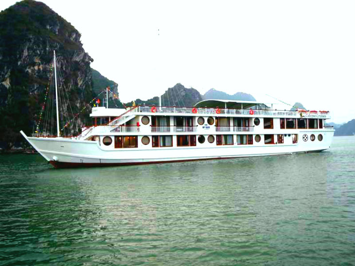 experience the mysterious beauty of Lan Ha Bay on Calypso cruises