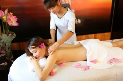 starlight cruises massage halong bay